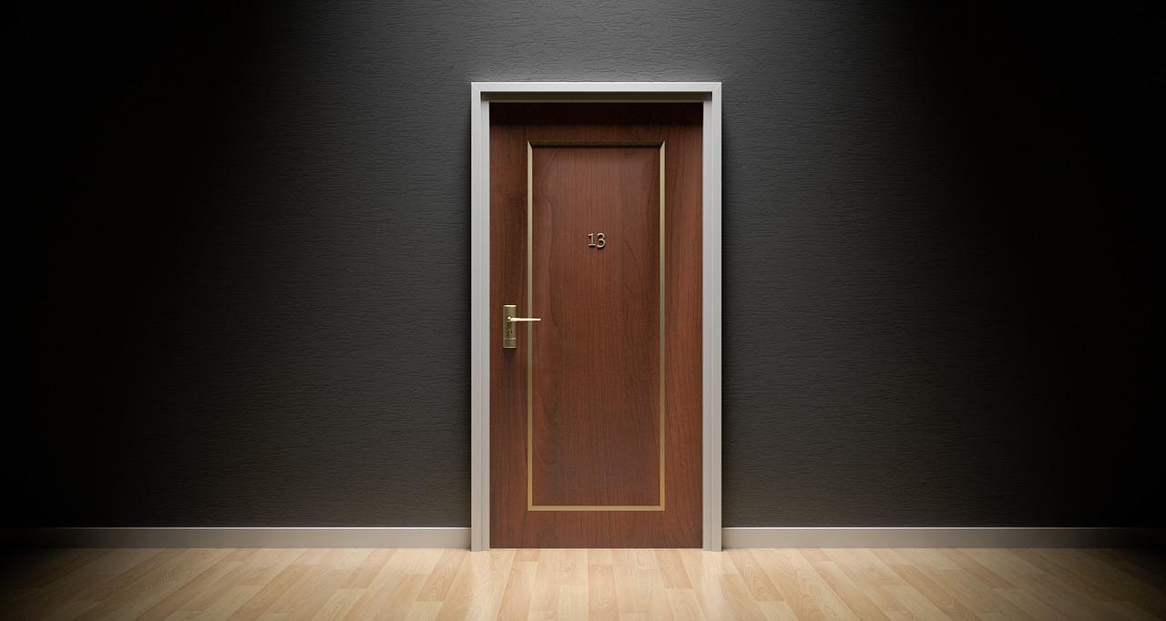 Wykorzystaj styrodur do ocieplenia drzwi wejściowych